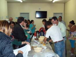 Confraternização durante a Audiência Pública.
