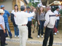 Rancho do Tropeiro, montado na Vila da Conquista, durante os festejos do Forró Pé de Serra do Periperi, organizado pela Prefeitura Municipal de Vitória da Conquista, em 2010. Em destaque, a presença de tropeiros e equipe da Catrop.