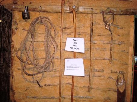 Objetos expostos no Rancho do Tropeiro.